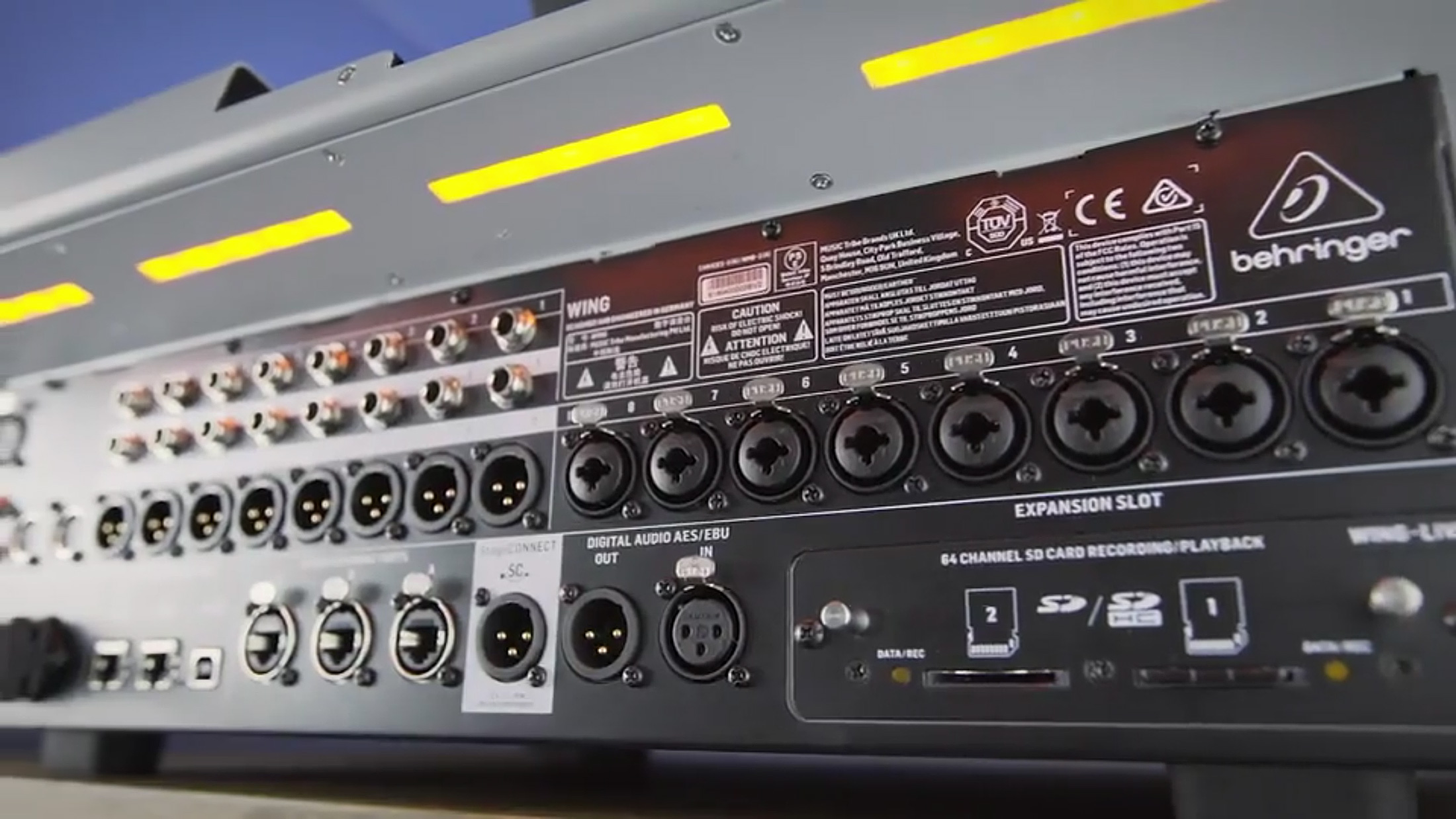 Behringer WING rear MidasPro preamps AES EBU 3xAES50 WING Live
