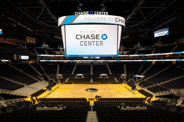JBL VTX V20 i ASB6128V w hali Chase Center, siedzibie Golden State Warriors (NBA) w San Francisco